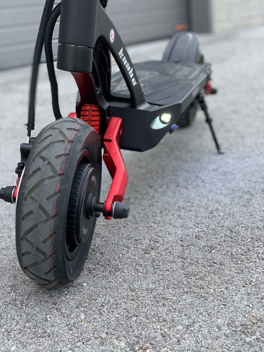 dual motor električni skiro